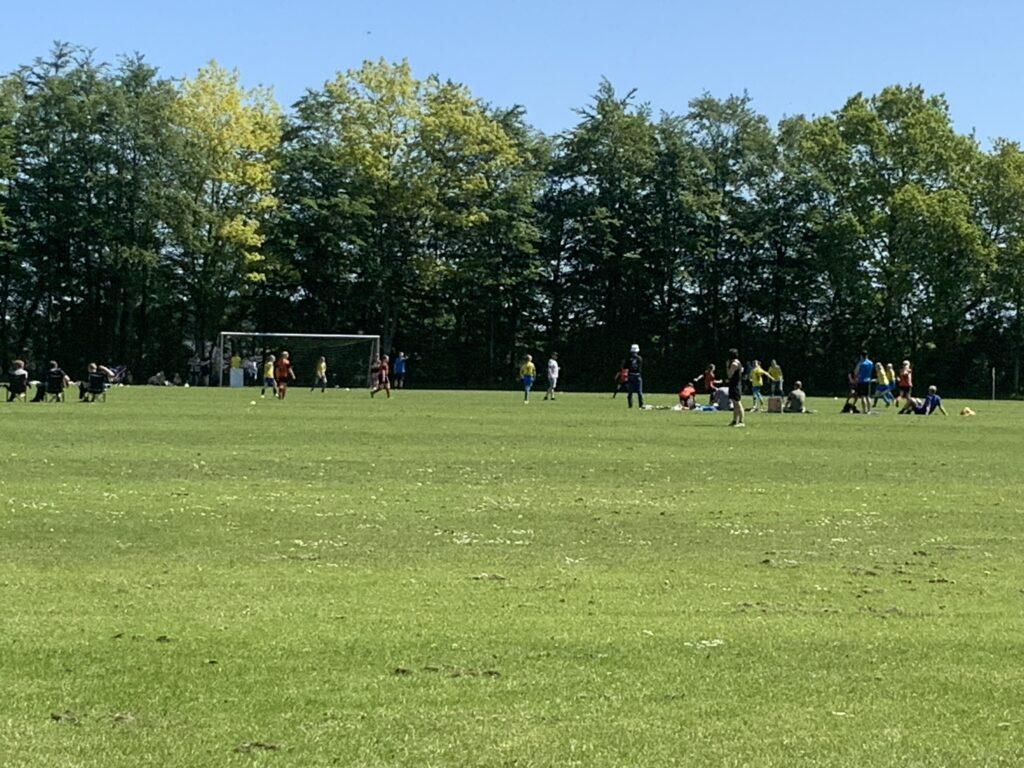 Fodbold på Assentoft stadion i dag
